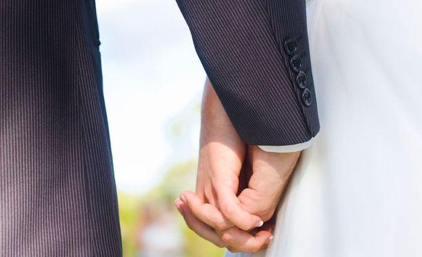 Yleisimpiä syitä erikoisluvan myöntämiseen ovat muun muassa raskaus tai kuuluminen tiettyyn uskonnolliseen yhteisöön.