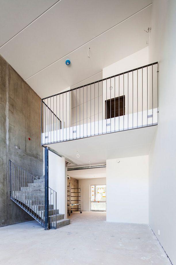 Loft-asunto pelkistetyimmillään. Asukas saa sen ilman keittiötä ja väliseiniä, märkätilat ja parvirakenteet ovat valmiina.