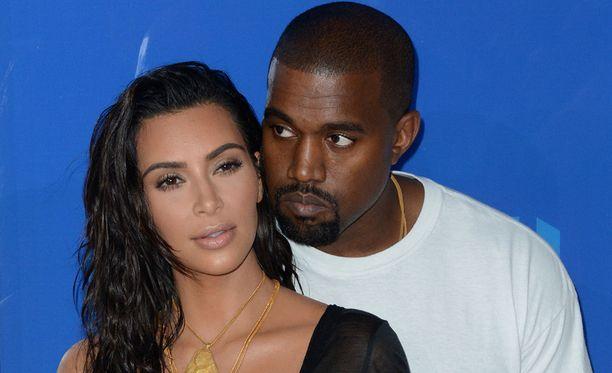 Kim Kardashianin ja Kanye Westin vuosi on ollut vuoristorataa.