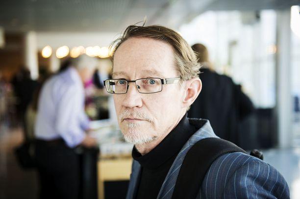 Suomalaisuuden Liiton puheenjohtaja Ilmari Rostila (ps) on myös Tampereen valtuuston jäsen.