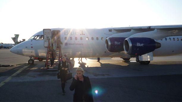Ouluun matkalla ollut lentokone joutui palaamaan Helsinkiin perjantaiaamuna.