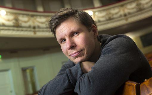 """Eero Milonoff palkittiin Ruotsissa - lihotti itseään Raja-elokuvaan liki 20 kiloa: """"Roolini kannalta se oli perusteltua"""""""