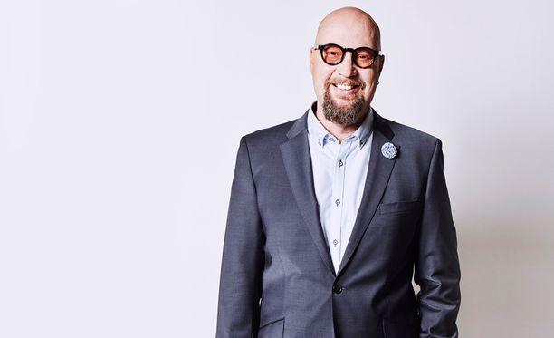 Juha Vuorinen on Hyvien ja huonojen uutisten uusi vakiopanelisti.