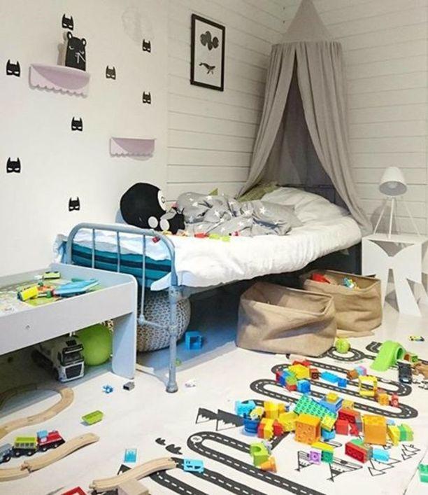 Kiuruveteläisen Hanna Haimivaara-Hämäläisen kotona legoleikit ovat jääneet kesken.