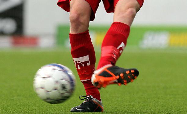 Tänään pelataan jalkapallon Kakkosta.
