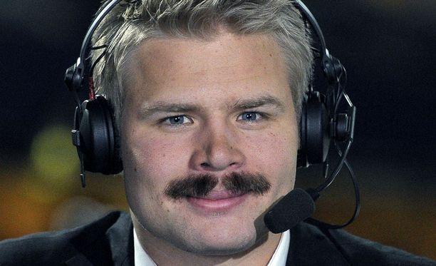 Loukkaantunut Mikael Kurki oli Urho-tv:n kommentaattorina.
