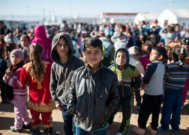 Äiti löysi lapsensa pakolaisleiriltä pohjois-Irakin Erbilistä ja sai heidät takaisin luokseen Suomeen. Kuvan henkilöt eivät liity uutiseen.