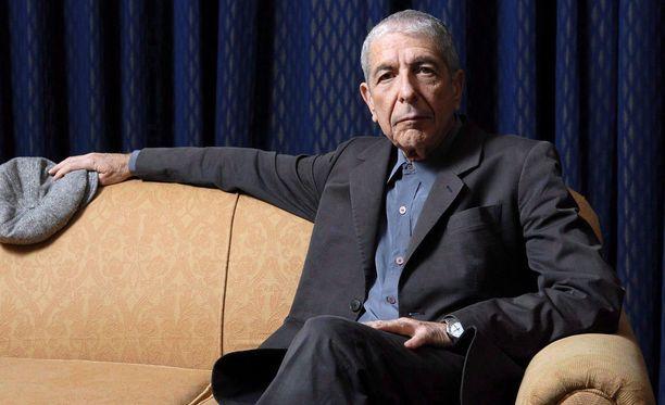 Kanadalainen laulaja-lauluntekijä Leonard Cohen voitti ensimmäisen Grammy-palkintonsa postuumisti.