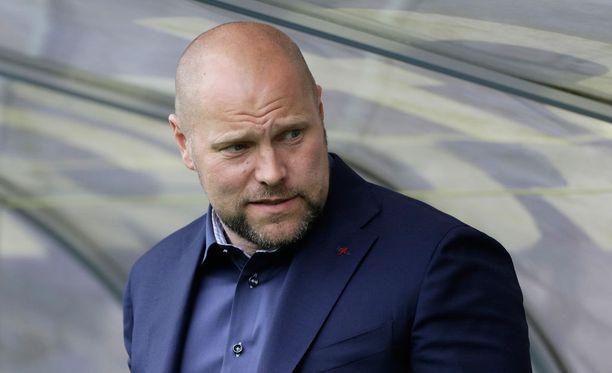 Jari Åhman sai potkut, mutta valmentajaura jatkuu.