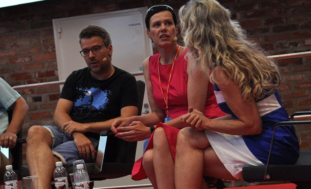 Oppositiojoukkueella eli Ville Niinistöllä, Maria Feldt-Rannalla ja Ritva Elomaalla riitti pohdittavaa eduskunnan puhemiehissä.