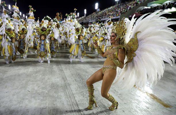 Bileet peruttu. Rion viikon kestävät karnevaalit tuovat tanssijat kaduille ja juhlintaa harjoitetaan väkijoukoissa ympäri vuorokauden. Järjestäjät totesivat nyt, ettei tällaisten kestien pitäminen nykyisessä koronatilanteessa ole mahdollista.