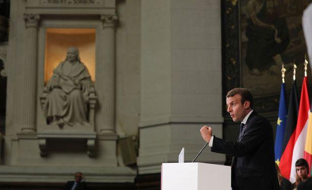 Emmanuel Macron esitteli hurjia visoita EU:n uudistamiseksi tiistaina.