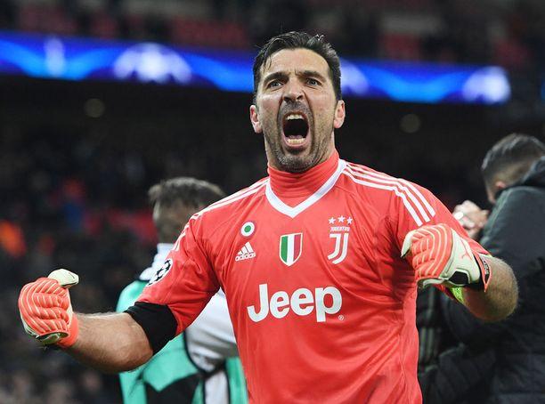 Gianluigi Buffonin ura päättyy tähän kauteen, jos Juventus ei voita Mestarien liigaa.