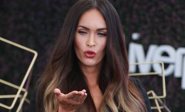 Megan Foxin lasten ulkonäköä arvosteltiin somessa.