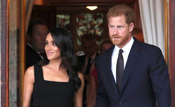 Herttuatar Meghan ja prinssi Harry ovat eläinrakkaita. Heillä on nyt kaksi koiraa.