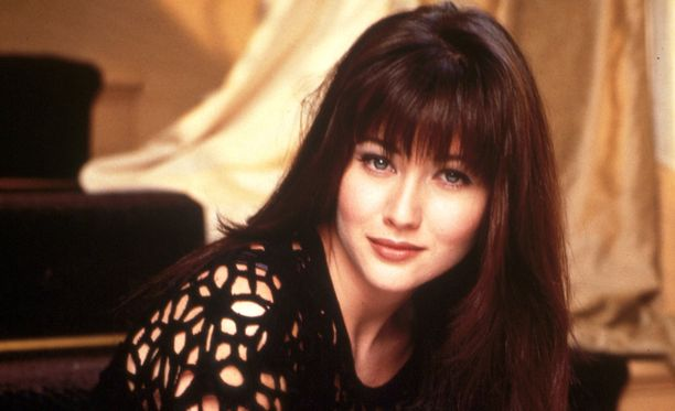Shannen Doherty TV-uransa alussa vuonna 1993. Hänestä tuli iso tähti Beverly Hills 90210 -sarjan ansiosta.