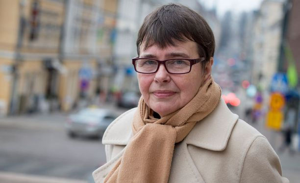 Rikosoikeuden professorin Terttu Utriaisen mielestä Oulun tapauksessa olisi syytä selvittää myös lastensuojelun työntekijöiden mahdollisesti rikolliset laiminlyönnit.