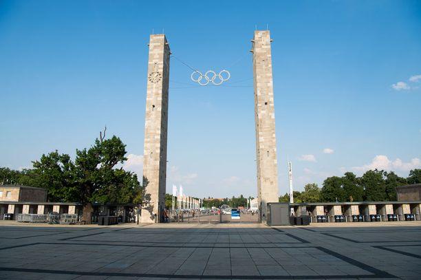 Berliinin olympiastadion sijaitsee Westendin kaupunginosan kupeessa. Suurella puistoalueella on stadionin lisäksi muun muassa maauimala ja jalkapalloseura Hertha Berlinin harjoituskeskus.