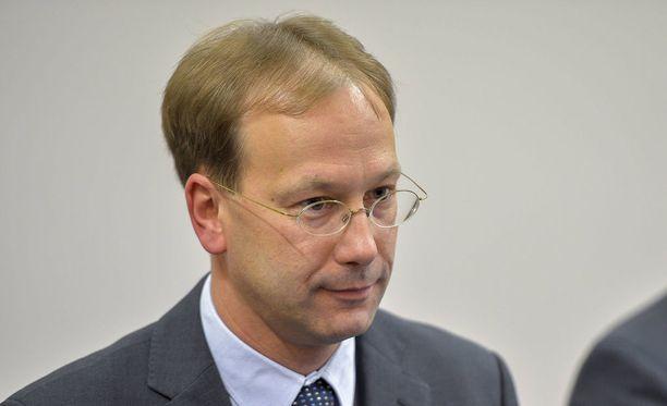 Viron turvallisuuspalvelun johtaja Arnold Sinisalu totesi Viron auttavan kansalaisiaan aina, kun se on mahdollista.