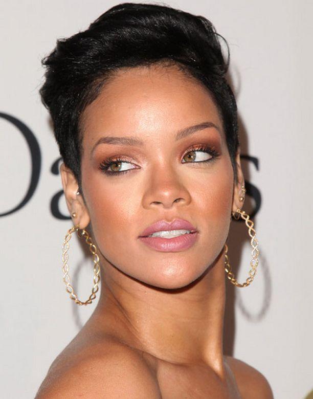 Rihanna on tietojen mukaan jättänyt Chris Brownin.