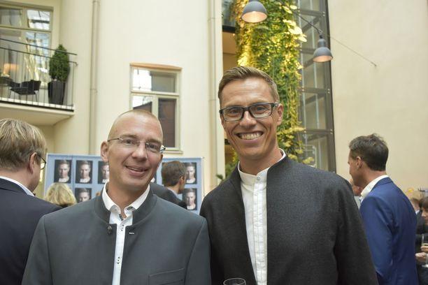 Karo Hämäläinen ja Alexander Stubb kirjoittivat Stubbista kertovan kirjan Alex, joka julkaistiin torstaina.