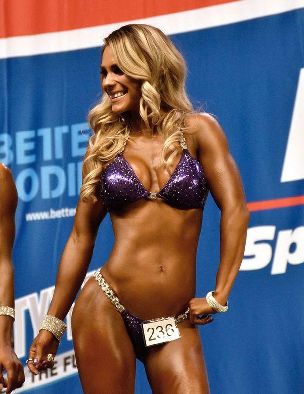 Eevi Teittinen menestyy fitness-urheilijana.