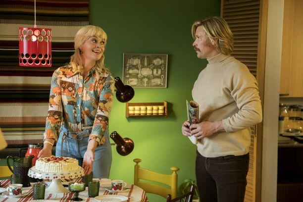 Tiina Lymi ja Matti Ristinen näyttelevät Karia ja Piaa.