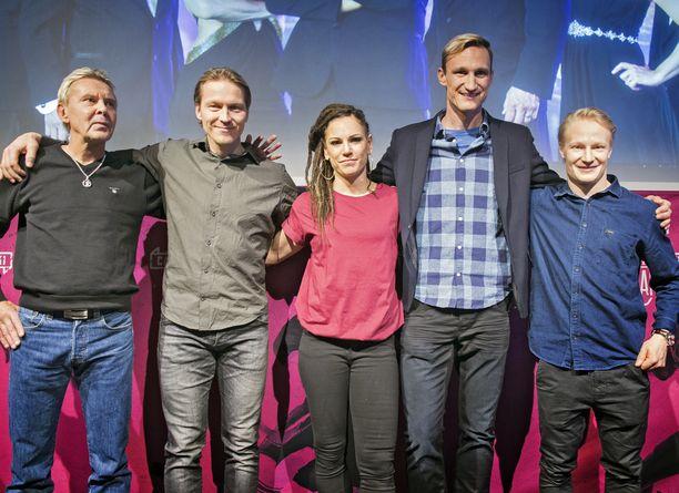 Matti Nykänen, Toni Kohonen, Eva Wahlström, Sami Hyypiä ja Peetu Piiroinen osallistuivat Supertähdet-ohjelmaan vuonna 2017.