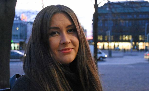 Kansanedustaja Tiina Elovaaran mukaan perussuomalaiset ei ole enää sama puolue kuin kymmenen vuotta sitten.