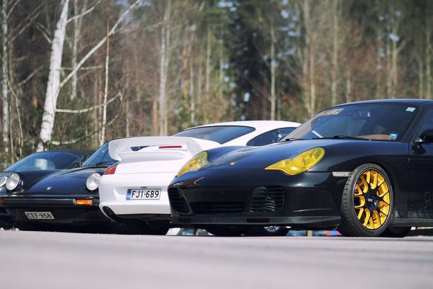 Tunnistatko Porschet. Nyt on hyvä tilaisuus harjoitella, kun Porschet jyrisevät kaupungille.