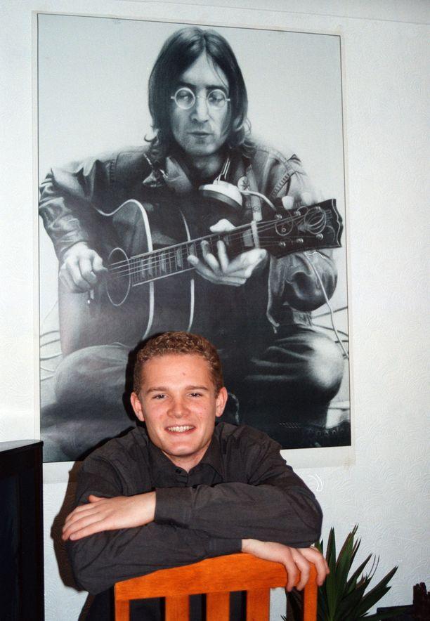 John Lennon koristi Jonatan Johanssonin kodin seinää Glasgow'ssa keväällä 1998.