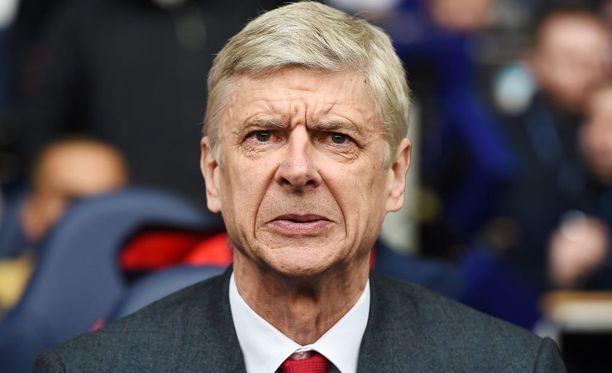 Arsenalin manageri Arsene Wenger näki nuorten joukkueen putoavan FA-cupin finaalista.