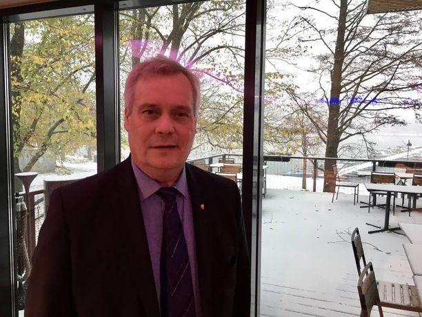 SDP:n puheenjohtaja Antti Rinteen mukaan Suomen velkaantuminen ei olisi niin rajua kuin nyt, jos hallitus jättäisi tekemättä varakkaita suosivat veronkevennykset.