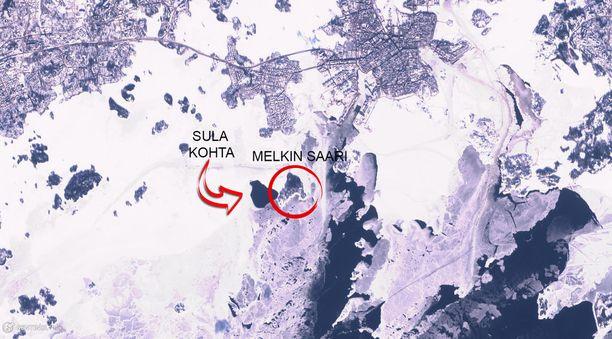 Avovesikohta on merkitty karttaan. Satelliittikuva on päivältä 27. helmikuuta.