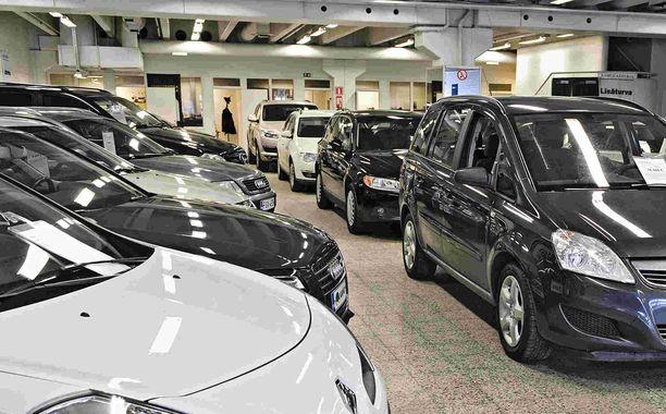 Autoveropuheet säikyttävät auton ostajia, mutta tällä kertaa veron määriä ei olla muuttamassa.