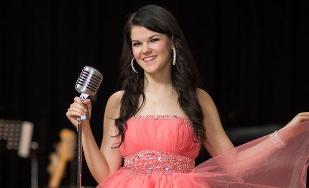 Saara Aalto hurmasi Britannian X Factor -ohjelmassa.