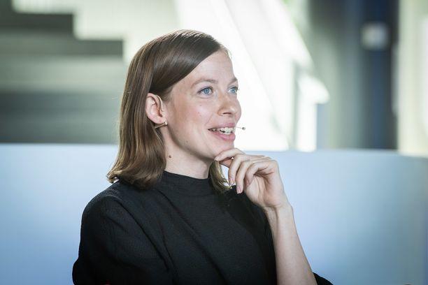 Li Anderssonin mielestä työaikakeskustelu pohjautuu Suomessa aika vanhanaikaisiin malleihin.