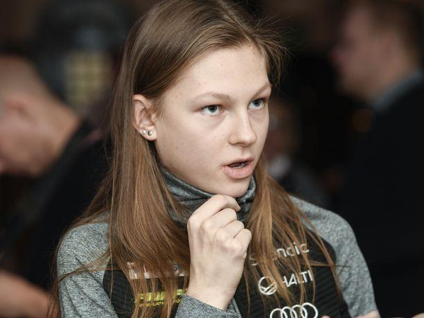 A-maajoukkueeseen nousseen pirkkalalaisen Eveliina Piipon, 20, unelmana on tulevaisuudessa olla maailman paras hiihtäjä.