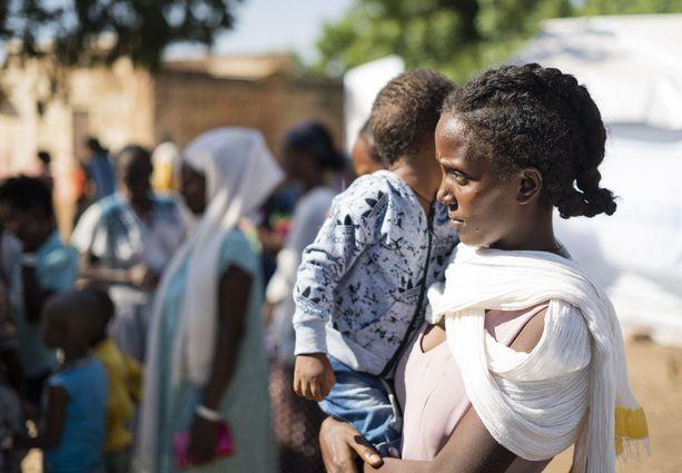 Tigrayn asukkaat ovat paenneet aseellisia yhteydenottoja Sudaniin. Kuva Um Rakuban pakolaisleiriltä.