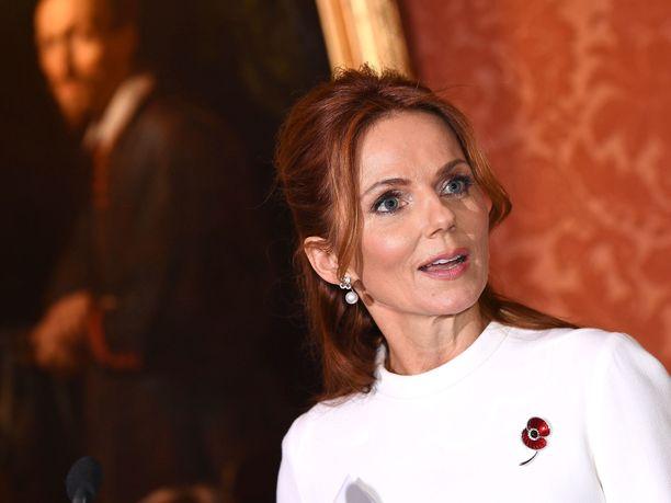 Geri Horner (ent. Halliwell) ompeli Audrey Hepburnin käyttämää Givenchy-asua vastaavan luomuksen.