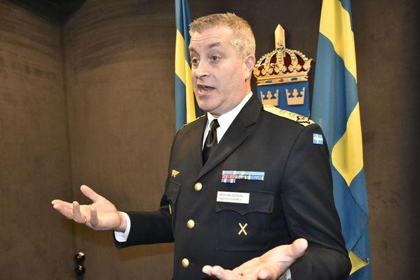 """Ruotsin ilmavoimien komentaja Mats Helgesson painottaa, että """"Gripen E on suunniteltu tappamaan Suhoi""""."""