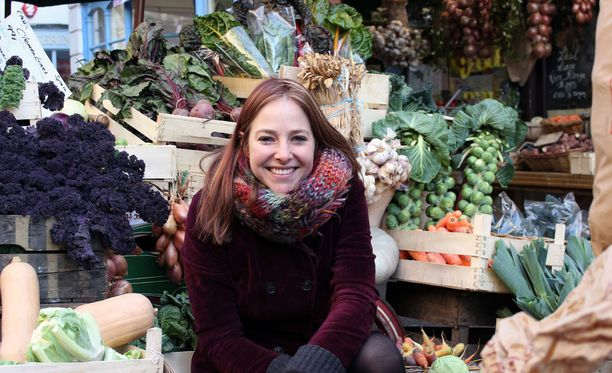 BBC:n Mitä me syömme? -tiedeohjelmassa professori Alice Roberts kertoo myös muista, yllättävistäkin uusista ruokaan liittyvistä tutkimustuloksista. Niiden valossa laihduttajan ei esimerkiksi kannatakaan poistaa rasvaista juustoa ruokavaliostaan.
