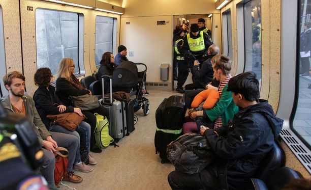 Turvapaikanhakijoiden tarkastuksia jatketaan pidempään kuin päätetyt kymmenen päivää.