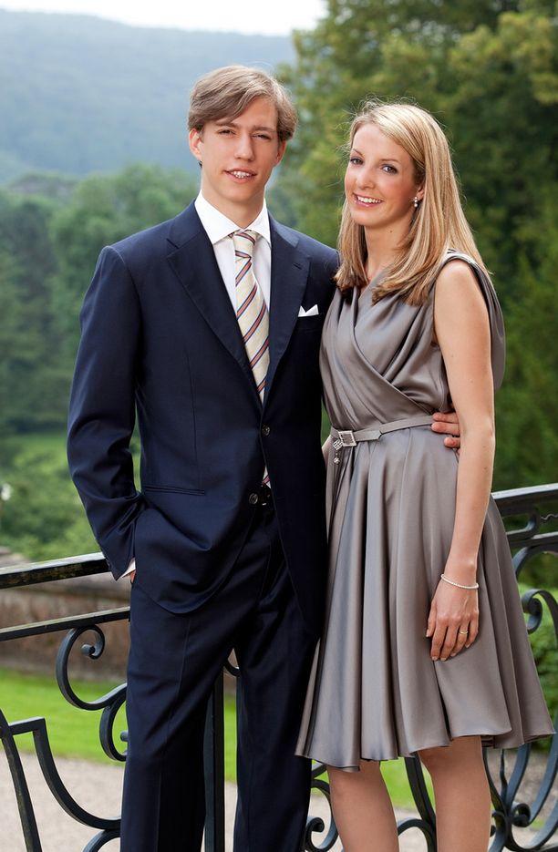 Louis ja Tessy aloittivat seurustelun jo 18-vuotiaina. Kaksi vuotta myöhemmin heillä oli esikoislapsi ja avioliitto. Vuoden päästä tästä syntyi parin toinen lapsi.