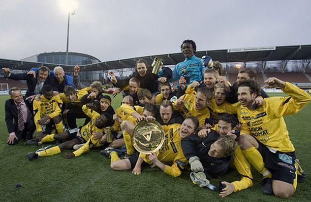 KuPS juhli liigacup-voittoaan asiaankuuluvin menoin.