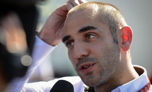 Cyril Abiteboul lataa tuoreen Renault-hankinta Daniel Ricciardon niskaan kovia odotuksia.