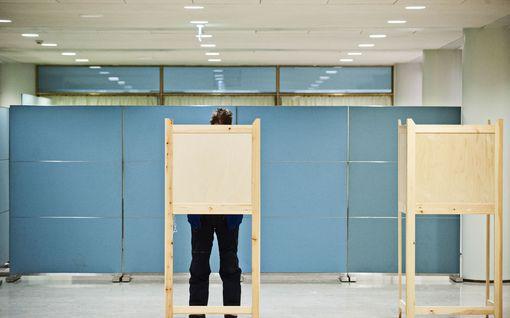 """Pahvinen ajokortti ei välttämättä enää kelpaa äänestyspaikoilla – """"Joillakin äänestäminen voi jäädä kokonaan tämän vuoksi"""""""