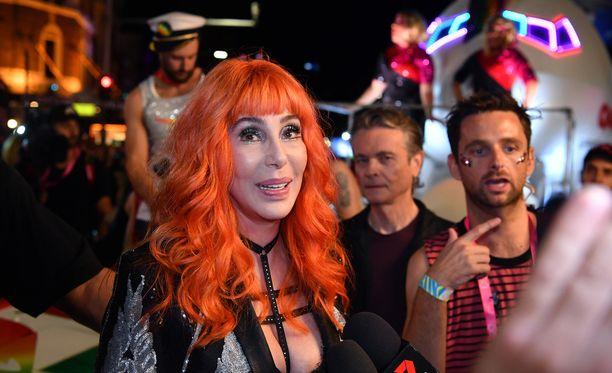 Cher keikkailee edelleen, yli seitsemänkymppisenä. Hän on puhunut myös uuden levyn tekemisestä.