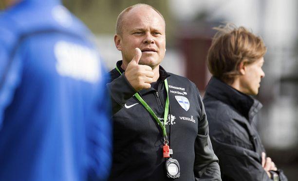 Mixu Paatelainen ei valinnut Berat Sadikia joukkueeseen. Sadik on tehnyt Sveitsin mestaruussarjassa seitsemän maalia kymmeneen otteluun.