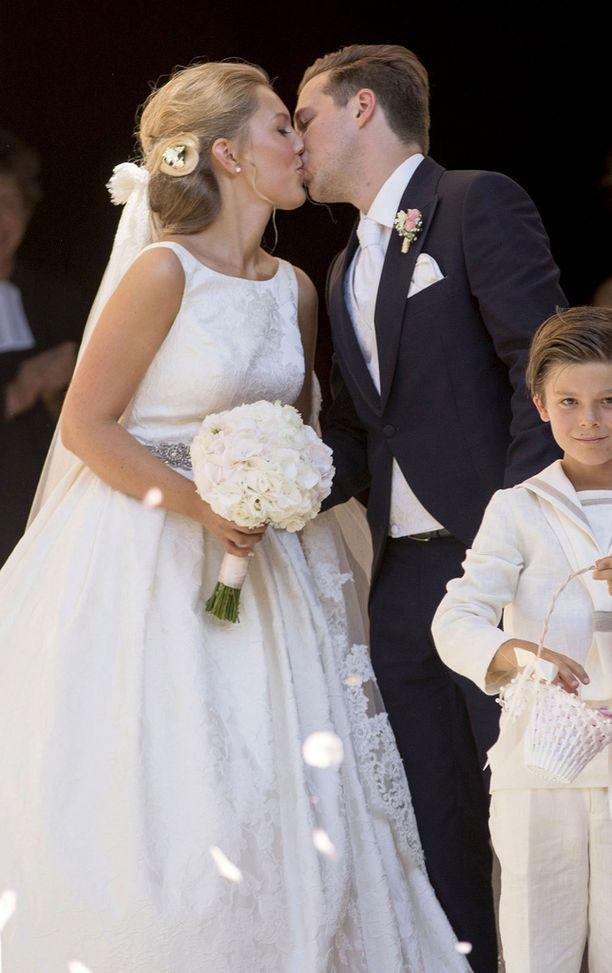Silvian veljentyttärenä ja kummityttönä tunnettu Helena Christina Sommerlath nai rakkaansa Ian Martinin.